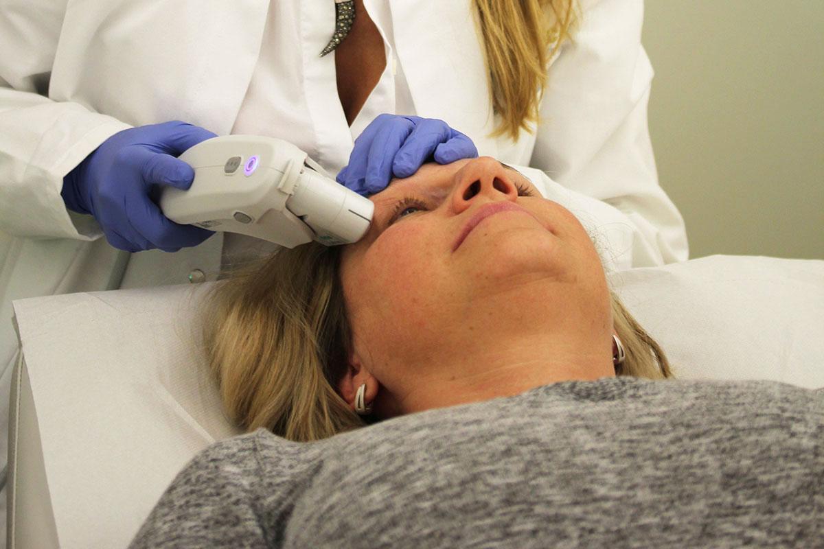 Ultherapy Ultraschall-Behandlung Dr. Wallentin Wien