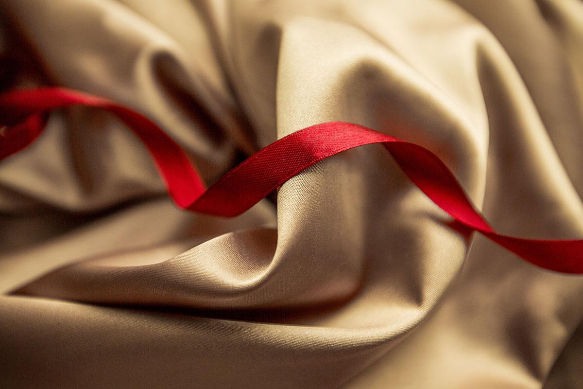 Textilband auf Seide